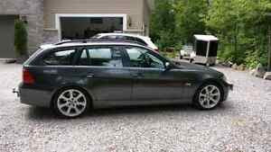 BMW 325XI sport wagon touring manual