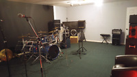 Jam space (10$/hr week day)/ Youngcats rehearsal studio