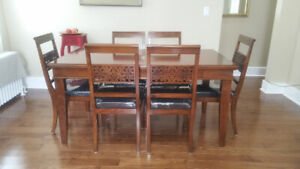 Italian Luxury dining  table and 6 chairs