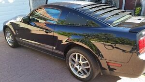2007 Ford Mustang Shelby GT500 Coupe LOW KMS