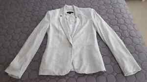 Casual blazer - size small but fits big Cambridge Kitchener Area image 1