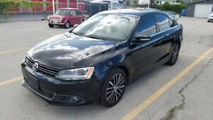 2013 Volkswagen Jetta Highline TDI (Leather/Sunroof/HeatedSeats)