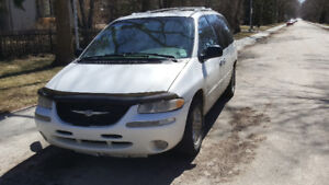 1999 Low Kms Chrysler Town and Country Ltd AWD