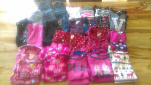 Lot vêtements fille 3-5 ans.