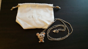 Guess necklace never worn perfect condition