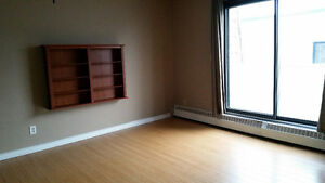 Bankview SW Large 2 Bedroom Available Immediately