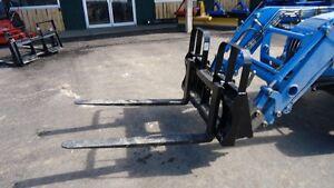 HLA Heavy Duty Pallet Fork 5500lb Skidsteer Qtach