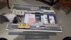 Singer 700 knitting machine and ribber