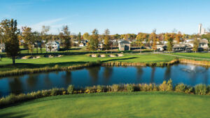 Detach house for sale in a Golf course, Niagara Falls!