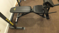 banc bench press poids caoutchouc / Bench press and plates Suivr