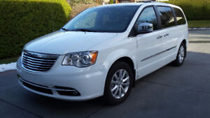 2015 Chrysler Town & Country LIMITED Familiale
