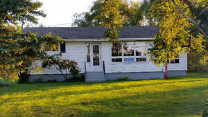 Large bungalow, 2 bedroom in Abercrombie For Rent.