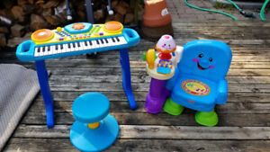 Baby toy musical and learning set