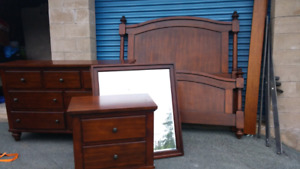 L@@K ..STUNNING LIKE NEW MODERN  Furniture Must Go Great Prices
