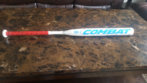 COMBAT MAXUM Softball bat