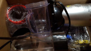 Magic bullet blender - good condition with attachments