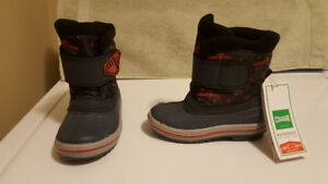 Toddlers Cougar Winter Boots - Size 8 - New With Tags
