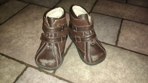 See Kai Run baby shoes size 4.5-5