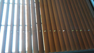 Horizontal wooden blind