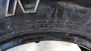 2 tires 265 75 R16
