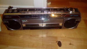 Sanyo double cassette am/FM radio