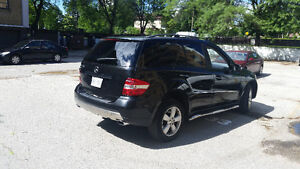 2006 Mercedes-Benz 500-Series 8cyl SUV, Crossover