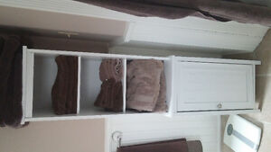 Towel tower cabinet