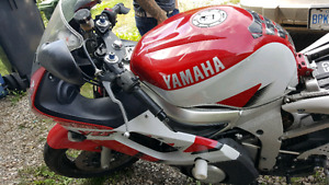 1999 Yamaha R6 for sale 2500