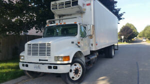 1999 International Reefer Truck, Amazing condition low price!