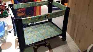 Graco Playard Navy - EUC Kitchener / Waterloo Kitchener Area image 1