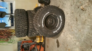 33x12.5x15 bf good rich mud terrain brand new