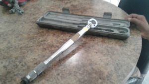 Clé  dynamometrique (torque wrench)