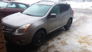 2011 Nissan Rogue SV--price drop!! Need gone