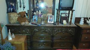 Bedroom dresser Stratford Kitchener Area image 1