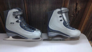 Reebok R50 Womens Figure Skates Kingston Kingston Area image 1