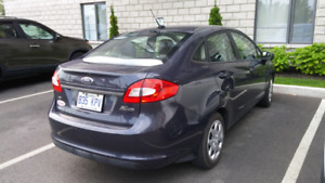 2012 Ford Fiesta SE Berline automatique