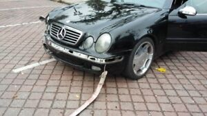 2002 Mercedes-Benz CLK 320 Coupe Fully Loaded - Leather/Sunroof