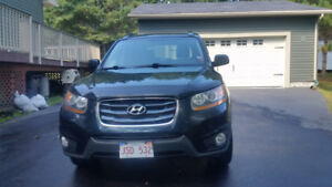 2011 Hyundai Santa Fe AWD with remote start, winter tires