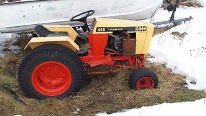 tracteur  CASES a gazon avec souffleur et pelle(gratte)