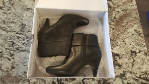 Le Chateau Black Booties size 7 Brand New Regina Regina Area image 1