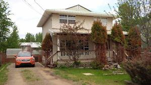 Quaint House for Rent in Fort Nelson - Perfect for Family