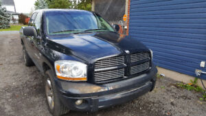 *NEED GONE* parts or repair 2006 Dodge Ram 1500 5.7 Pickup Truck