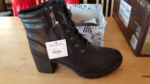 WOMEN'S PAYLESS BLACK ANKLE BOOT IN SIZE 11