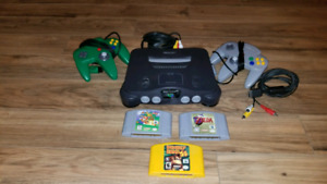 Nintendo 64, 2 controllers, zelda, donky kong and super mario 64
