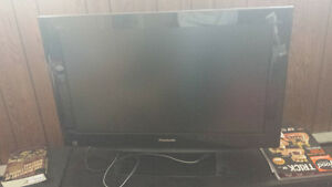 "32"" LCD Panasonic Flat Screen 720P with Mounting Base"