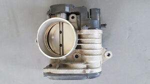 Throttle body - Kia Sedona 2010 - Hyundai Entourage 2010