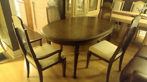 Beautiful Classic Dining Set and China Cabinet Windsor Region Ontario image 1