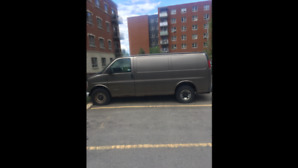 2000 GMC Savana Van *best offer*