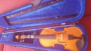 Menzel 1/2 size youth Violin, excellent condition