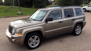 2008 Jeep Patriot North 4x4 Low Km Only $6750 !!  Call 919-5566